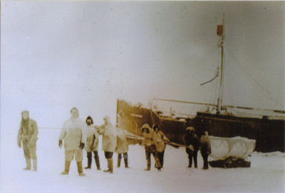 icebound baychimo is visited by crew